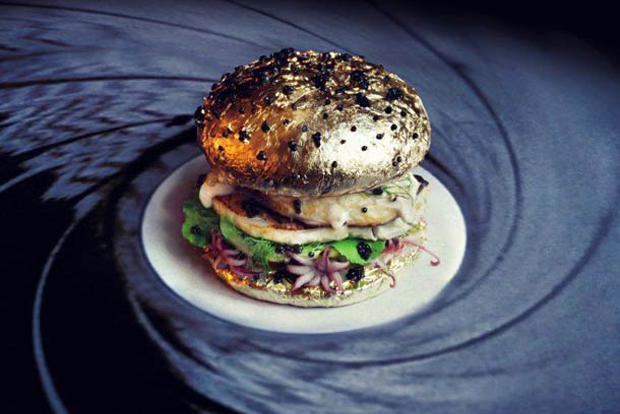 10 Creative Hamburgers by Fat and Furious - My name is Bun, James Bun, Scaviar Fall, Golden ail en chemise