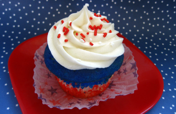 Celebrating the red, white, and blue with cupcakesh