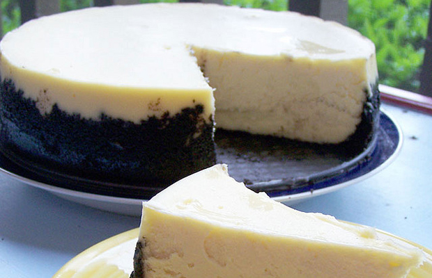 Cheesecake Supreme with Oreo cookie crust-h