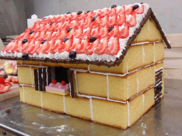 Christmas creative sweets and deserts ideas - Cake house