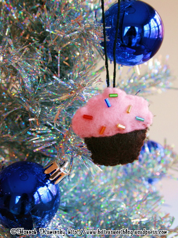 Pink Christmas tree decoration creative cupcakes