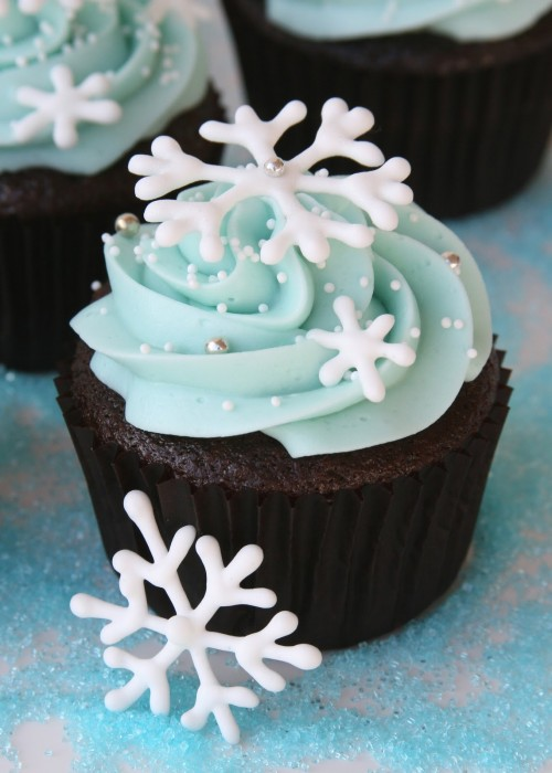 Snowflake Cupcakes Blue Frosting by Glorious Treats