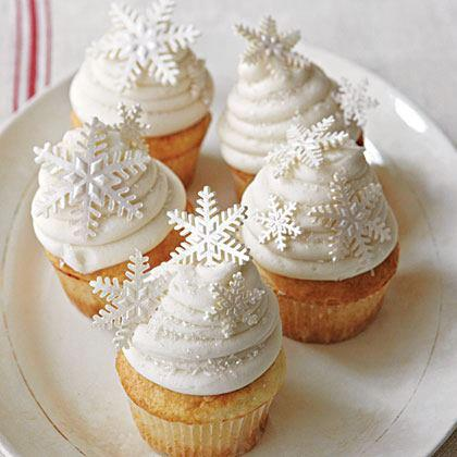 25 christmas creative cupcakes ideas fancy for Creative cupcake recipes and decorating ideas