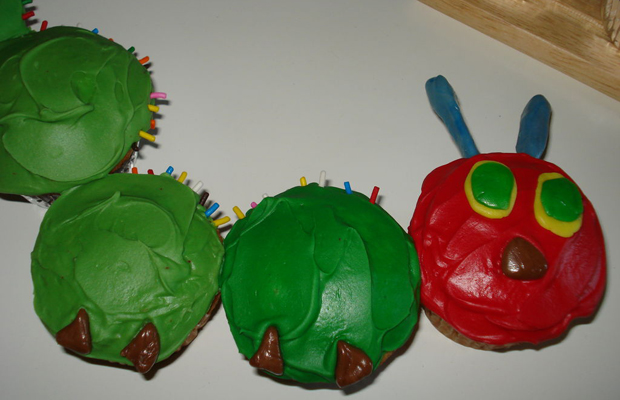 Very Hungry Caterpillar Cupcake Cake-h