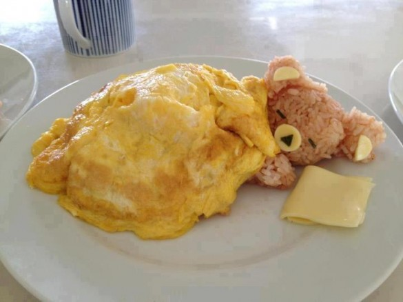 Sleepy rice bear in an egg blanket - teddy-bear-breakfast2