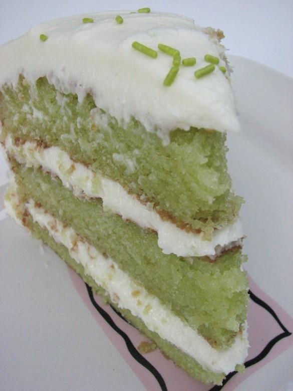 Trisha Yearwood's Key Lime Cake2