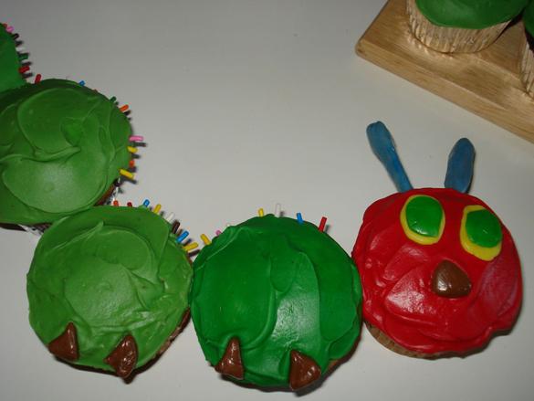 Hungry Caterpillar Cupcake Cake Recipe