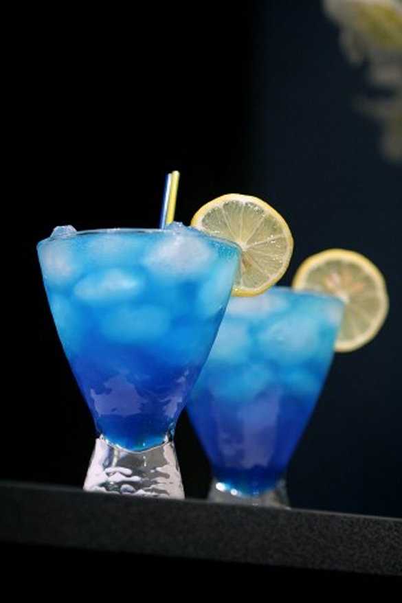 The blue lagoon cocktail fancy for Blue lagoon cocktail