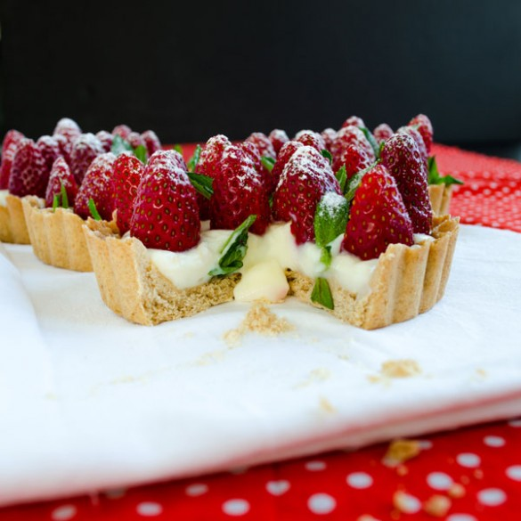 Strawberry Pie with Vanilla Pudding
