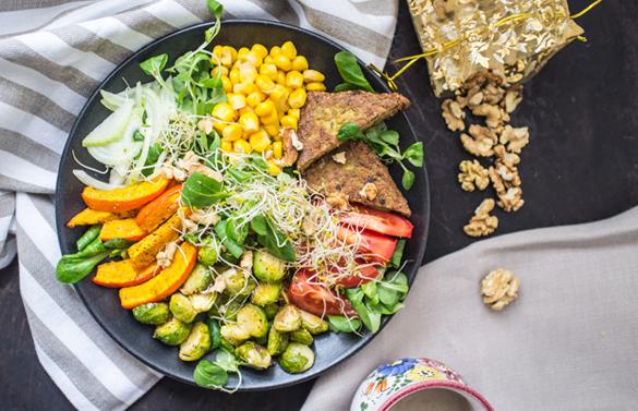 Colourful Autumn Salad with Lemon Tahini Dressing