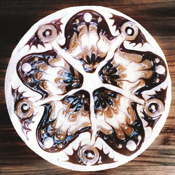 Hypnotizing Mandala Cakes made of raw vegan ingredients by Stephen McCarty