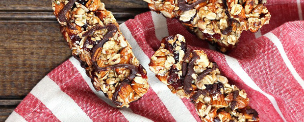 Dark Chocolate Cherry Almond Granola Bars1