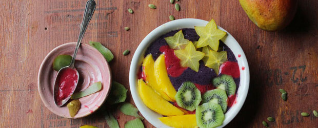Mardi Gras Smoothie Bowl
