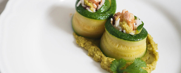 Zucchini rolls with salmon, rice and green peas cream1