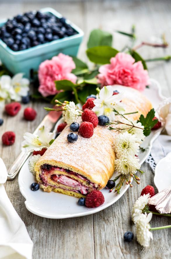 Paleo Berry & Cream Cake Roll