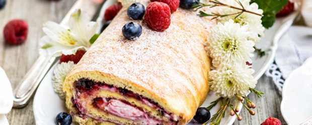 Paleo Berry & Cream Cake Roll