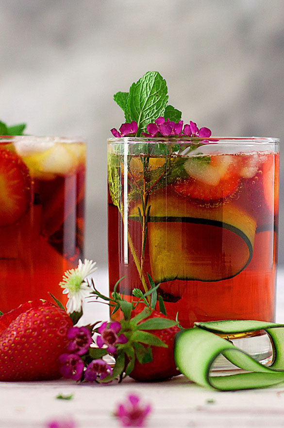 English Pimm's cocktail