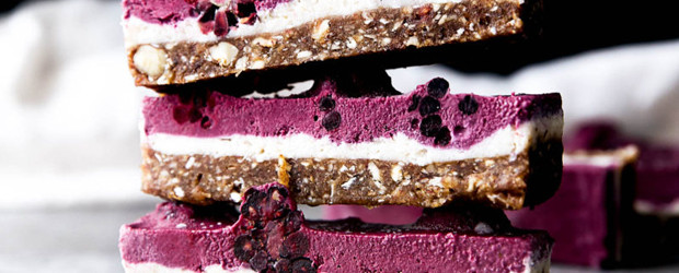 Raw Blackberry Coconut Cashew Slice