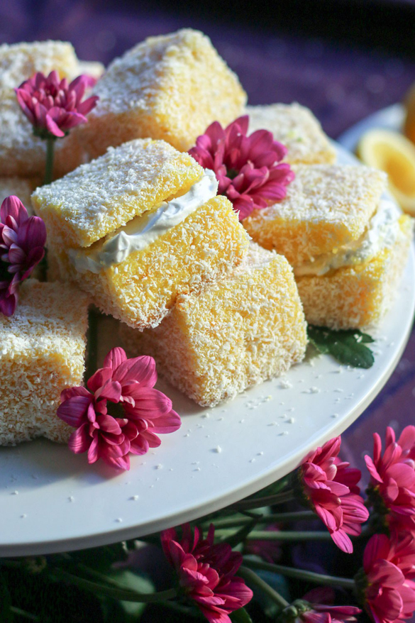 Lemon Lamingtons