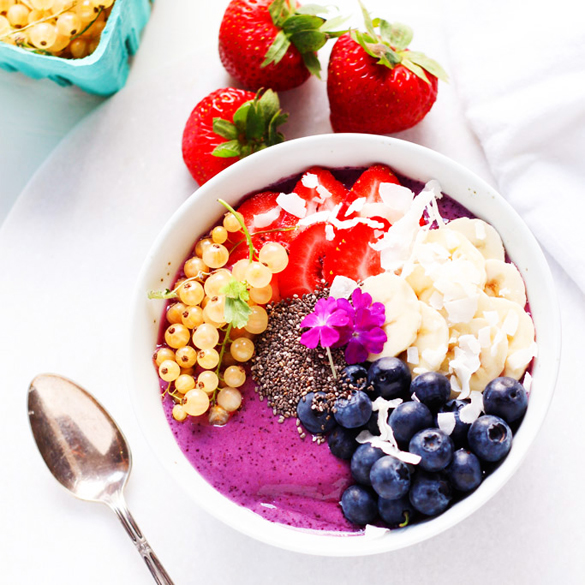 Blueberry Yogurt Smoothie Bowl - fancy-edibles.com