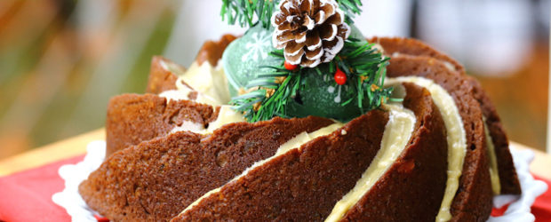 gingerbread-bundt-cake-with-whiskey-glaze