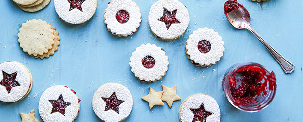 hazelnut-linzer-cookies-with-vanilla-cranberry-jam