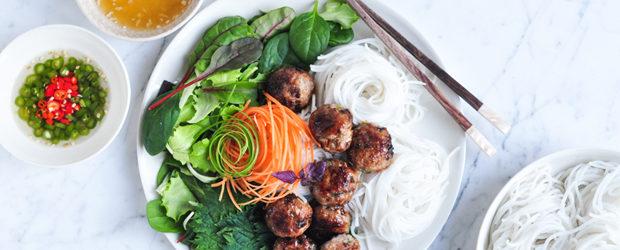 bun-cha-vietnamese-pork-meatballs-with-vermicelli-noodle-salad