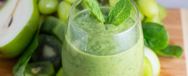 Saint Patrick's Day Healthy Mint Green Smoothie