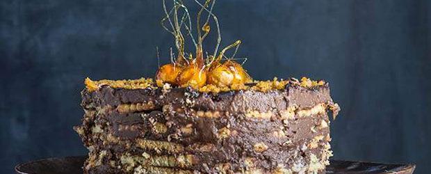 No-bake vanilla chocolate cake