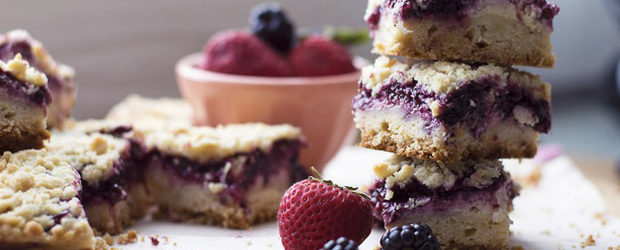 Wildberry Cheesecake Crumb Bars