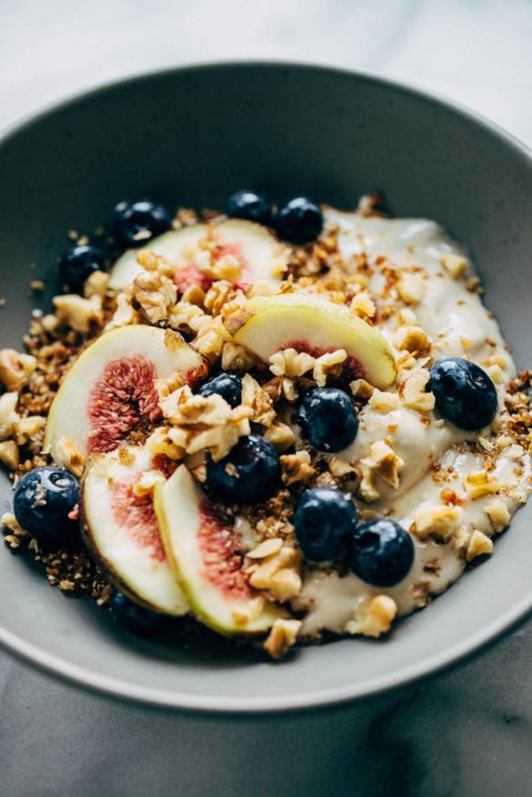Fig banana breakfast bowl
