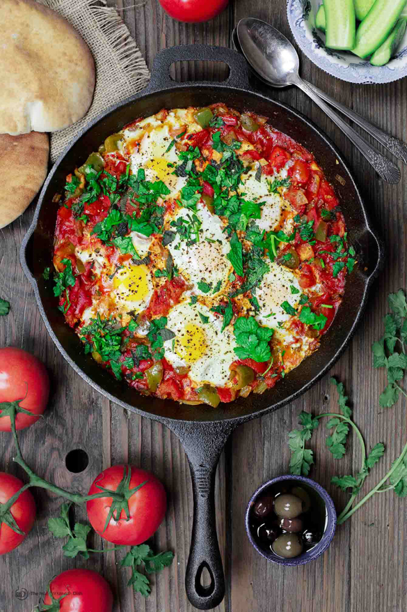Shakshuka recipe (middle eastern tomato stew with eggs)