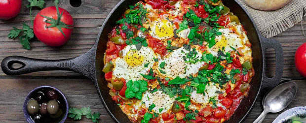 Shakshuka recipe (middle eastern tomato stew with eggs)2