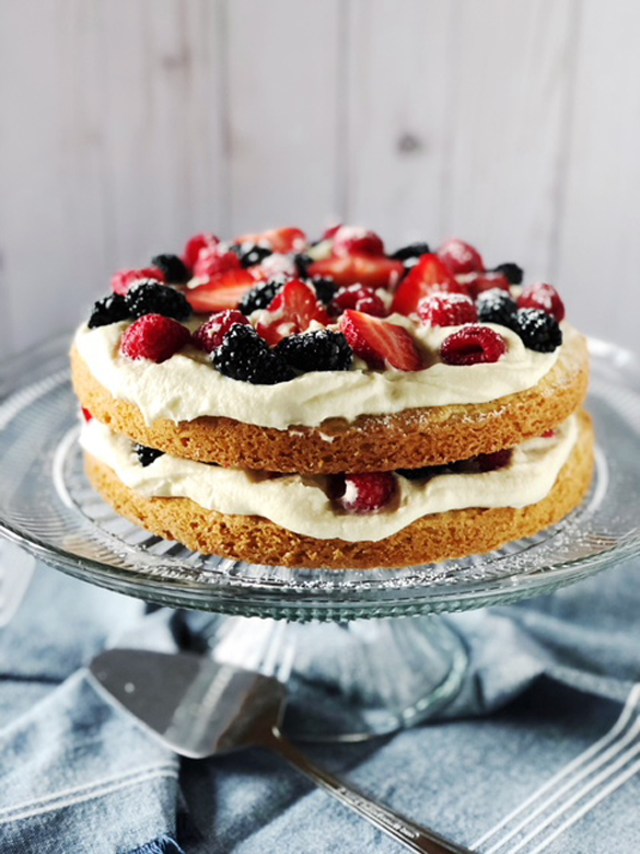 Italian Berry Cake with Mascarpone Cream