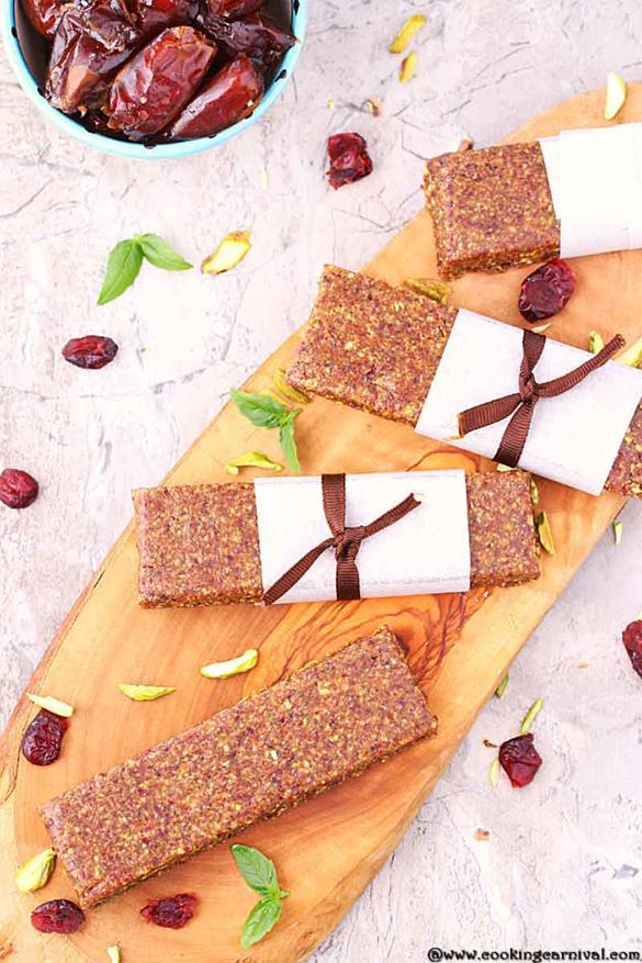 3 ingredient no bake energy bar