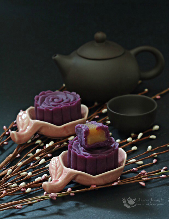 Purple Sweet Potato Mooncakes